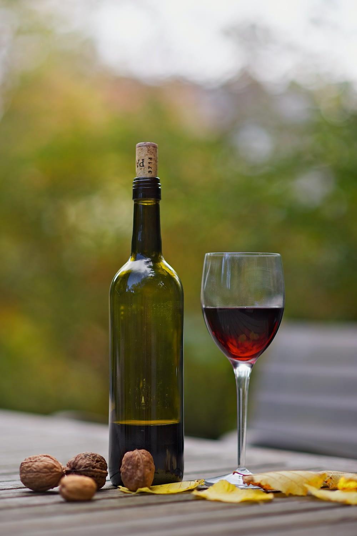 Unterschiedliche Weinflaschen - Bordeaux-Flasche